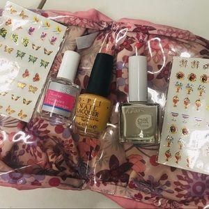 Opi and kiss nail kit